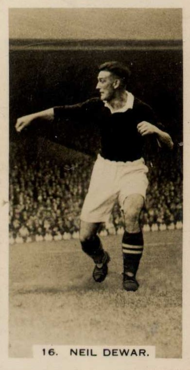 Neil Dewar featured on a 1934 cigarette card while playing for Sheffield Wednesday.