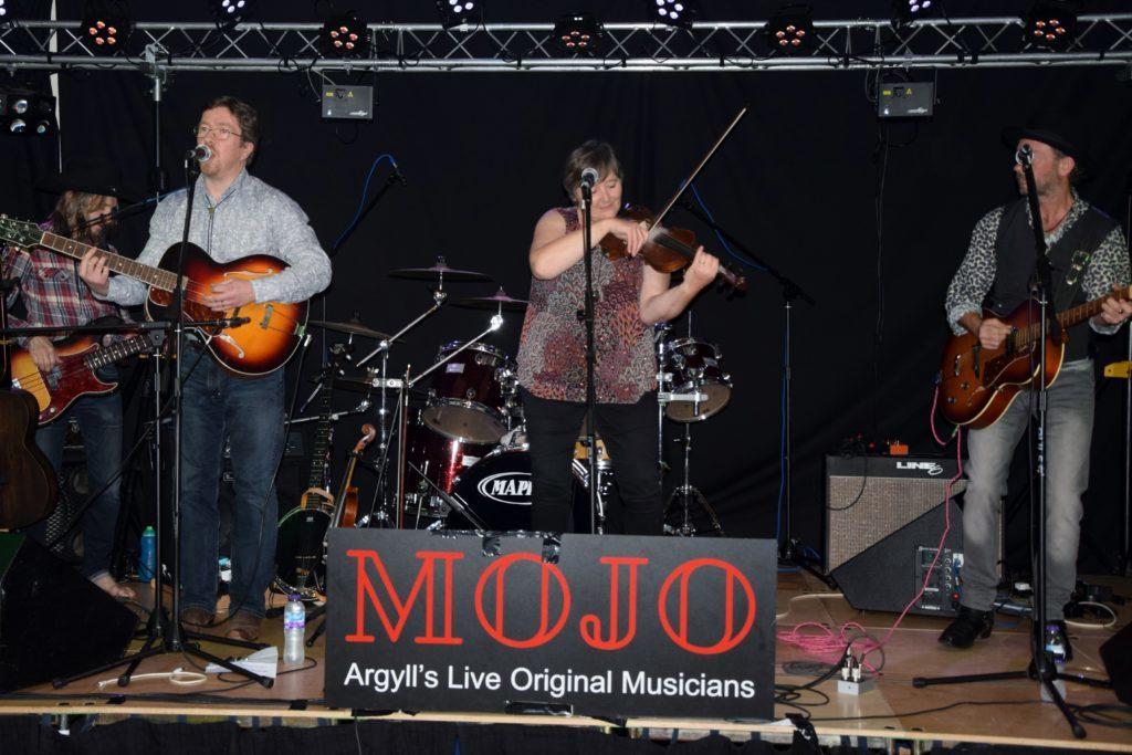 MOJO mania hits Ardfern – watch the video
