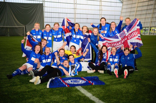 Mid Argyll girls win the Scottish Cup