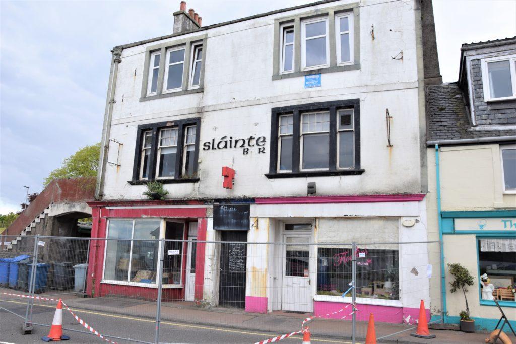 Unsafe Ardrishaig building forces partial A83 closure