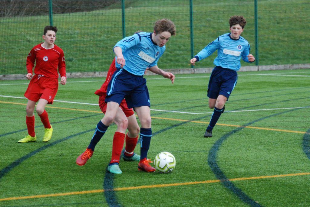 Star young teams battle on despite Dennis