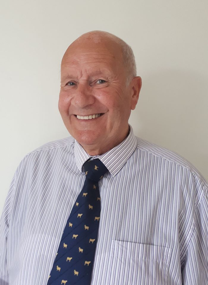 Bill retiring from auction firm after 50 years in farming