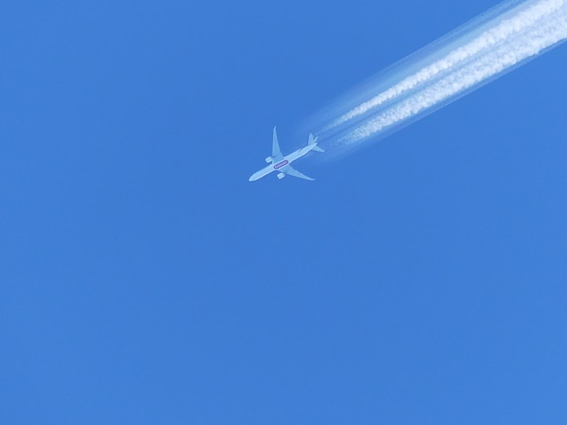 Science Matters – Are aircraft vapour trails harmful?