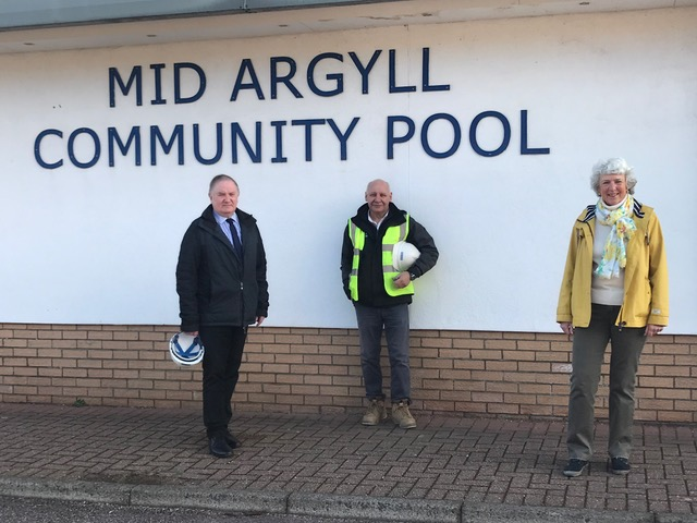 Builders poised to start 'exciting' pool upgrade