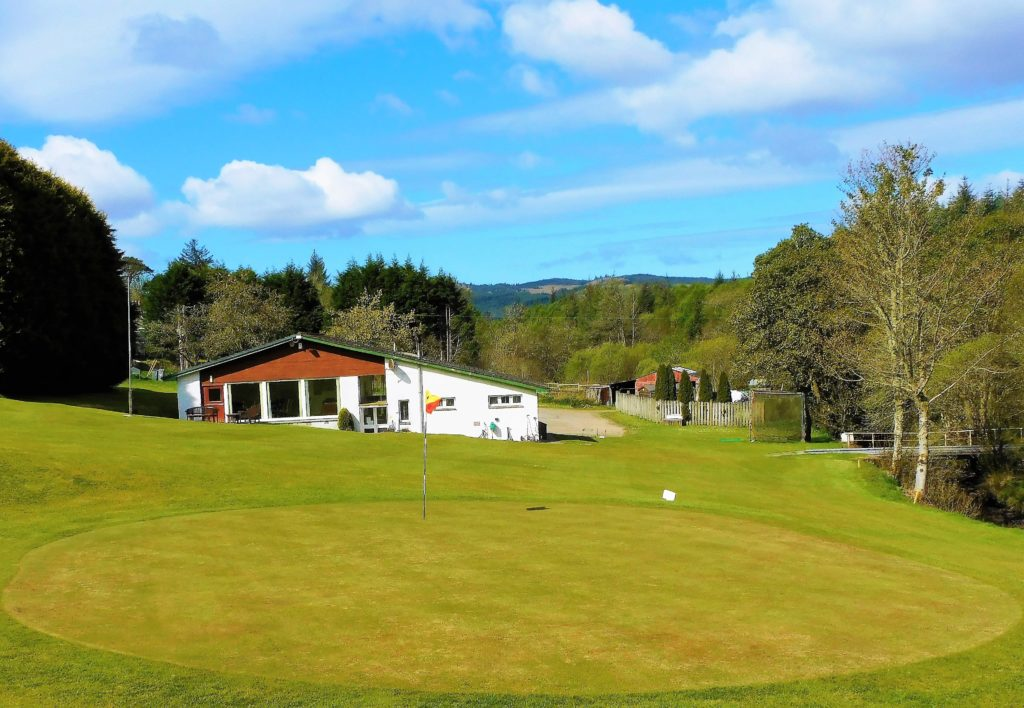 Low scores and sunshine golf at Lochgilphead