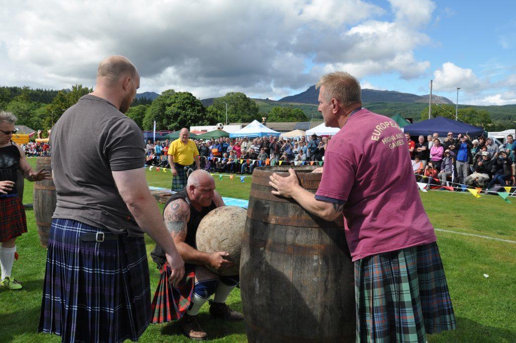 Strongman Ewan Cameron takes on the 150kg McGlashan Stone
