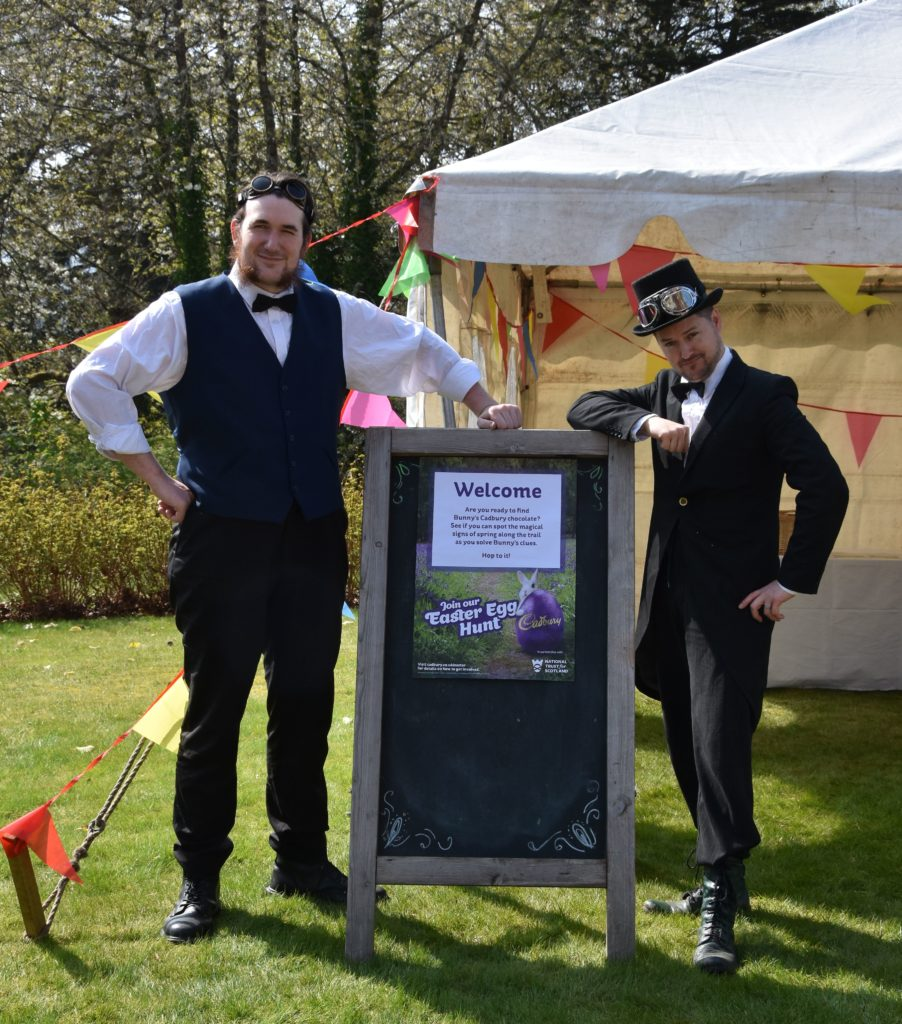 Welcoming the young egg hunters were Victorian egg hunters Matt Jebb 'Thaddeus' and Cameron Hall 'Mortimer'.