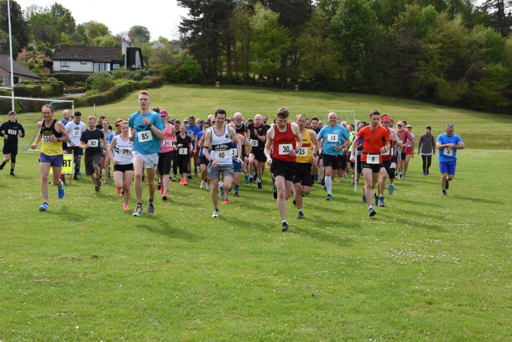 Runners set off on the Ormidale 10k race.