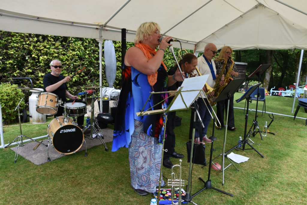 The Arran Jazz Cafe Band added a relaxing but vibrant musical accompaniment to the show.