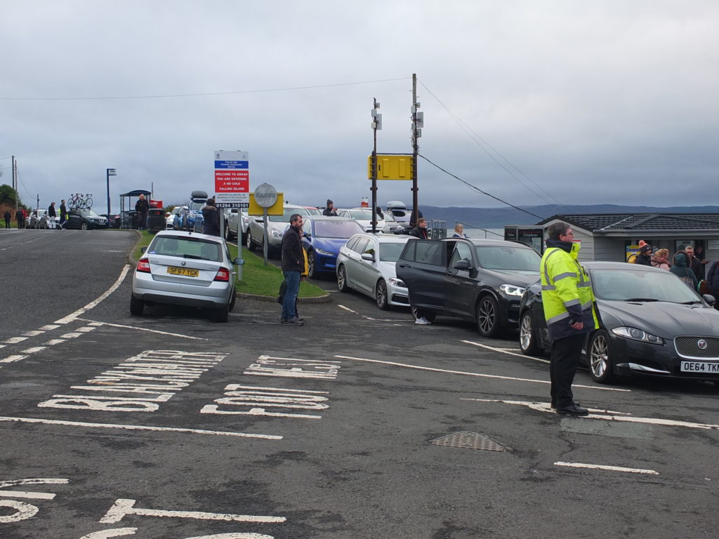 Frustrated drivers faced long delays in Lochranza on Sunday.