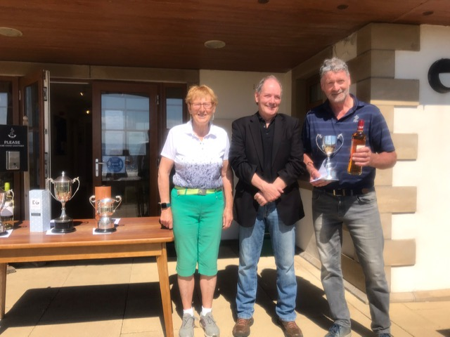 Gents Duisky final winner Jimmy Morrison with Fiona Henderson and Donald Bannatyne, son of Colin and Margaret Bannatyne who donated the Duisky trophy.