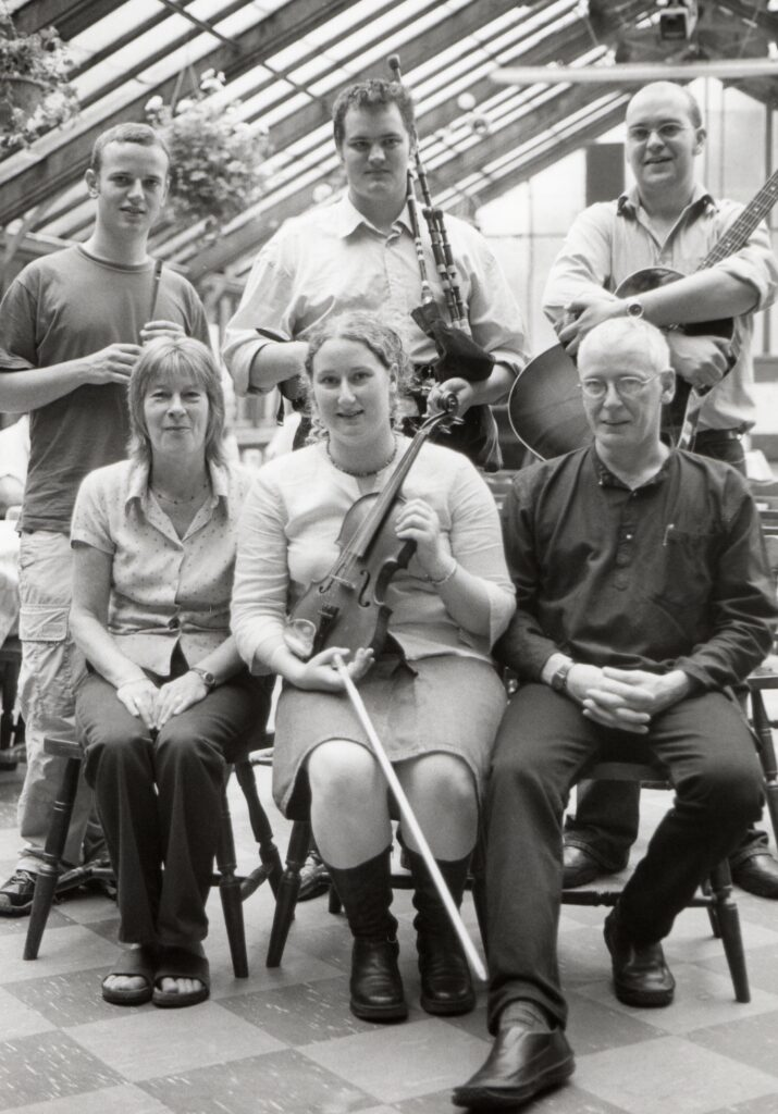 Celebrating the release of their first CD was Gillian Frame and her band Back of the Moon. The band performed at the Ormidale glass house with Gillian's parents, Iain and Maggie, to mark the occasion.