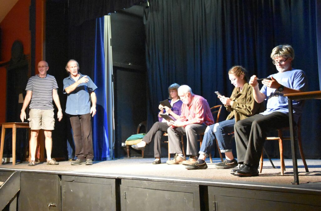 Stooge Tony Lee appears on stage for the first time in The Readthough to play 'Fiona'.