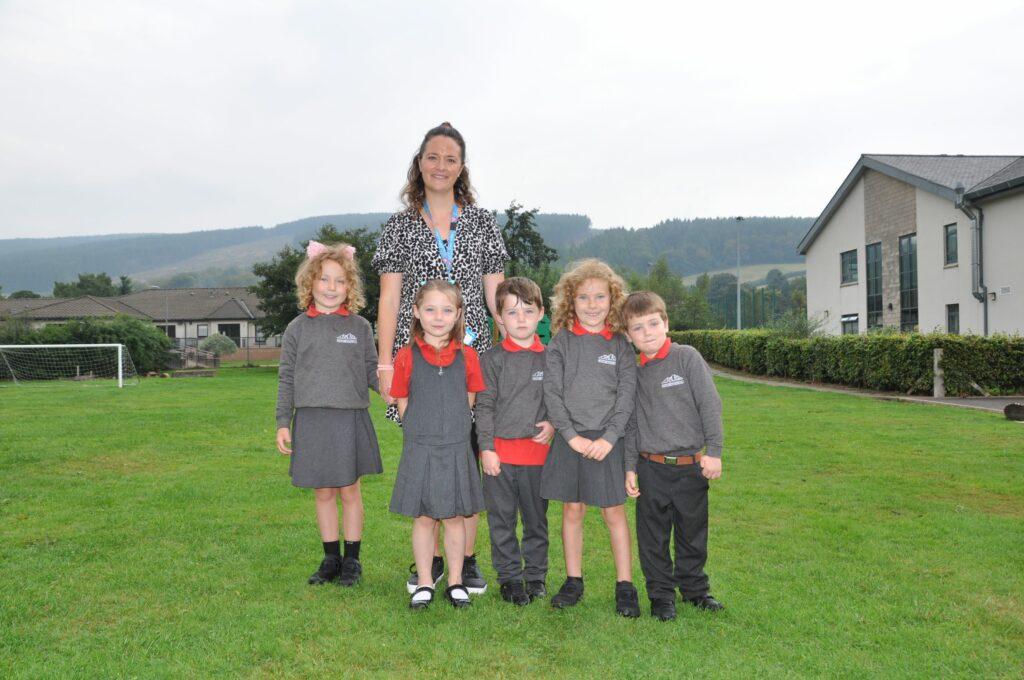 Lamlash Primary P1 pupils with Mrs Lucy Marriott.
