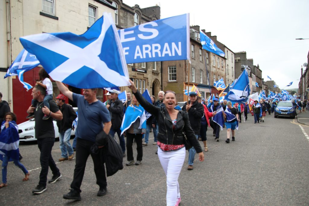 Arran flies the flag at Campbeltown march