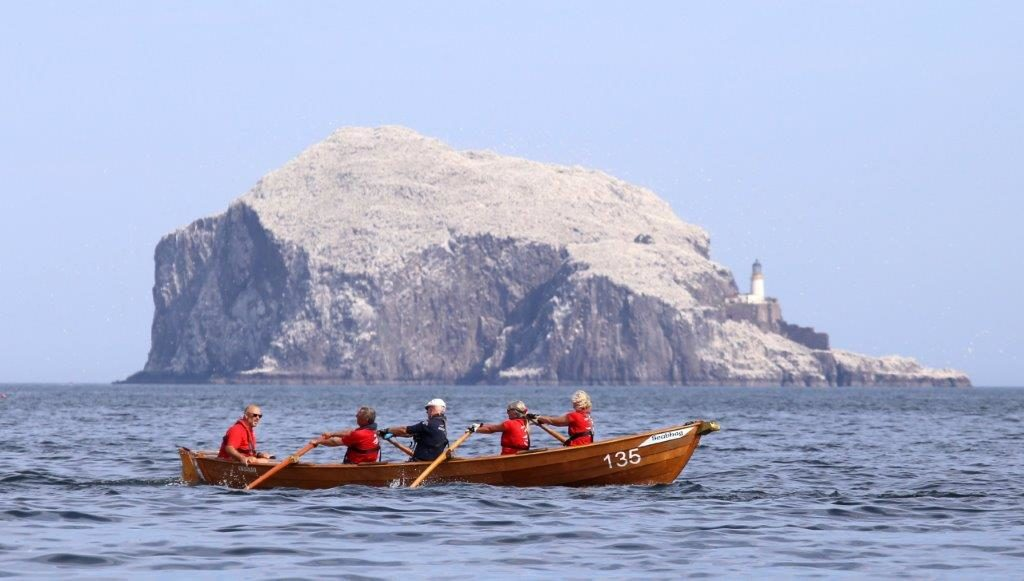Arran team forced into the rocks at North Berwick