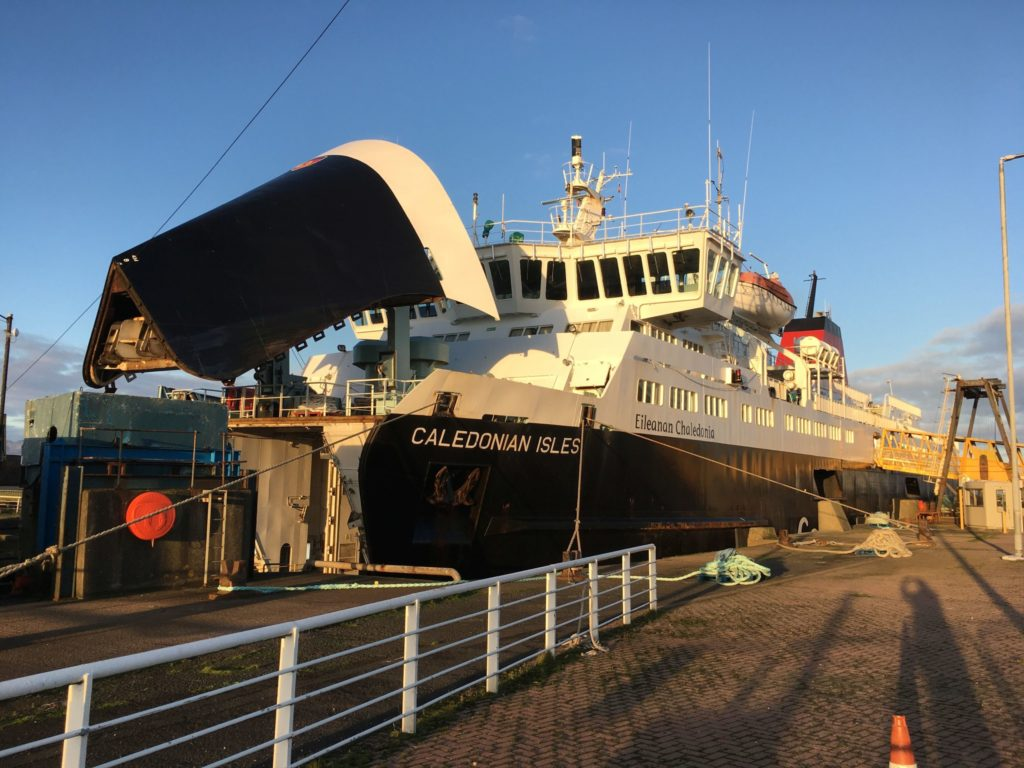 No gangway at Ardrossan for foot passengers