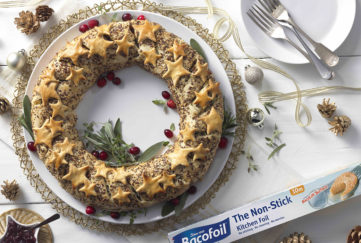 Vegetarian wreath, pastry ring sprinkled with seeds and decorated with pastry stars