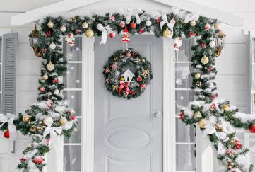doorscaping, garlands and wreath