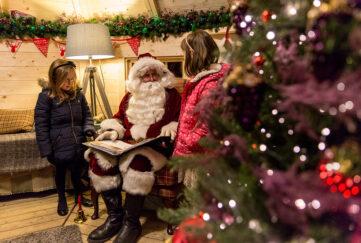 2 girls meet Santa at Macdonald Resort, Aviemore