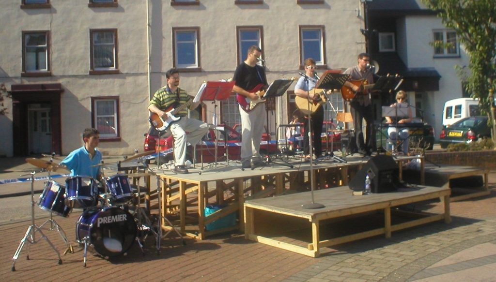 More action from 2002's Praise in the Square.