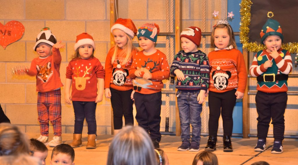 The youngest performers were full of enthusiasm.