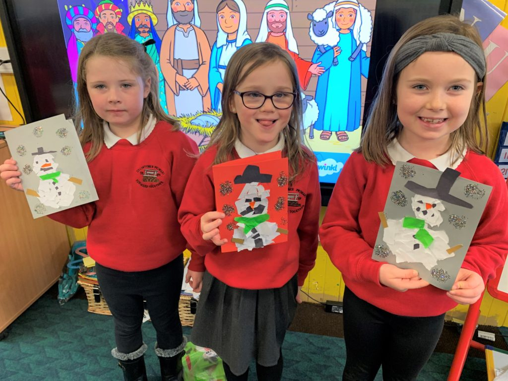 P2 pupils at Dalintober Primary School enjoyed lots of Christmas crafts. In addition to Christmas cards including these seen here, they made candy cane reindeer, Christmas wreaths, melted snowmen and a large mindfulness Christmas bauble.