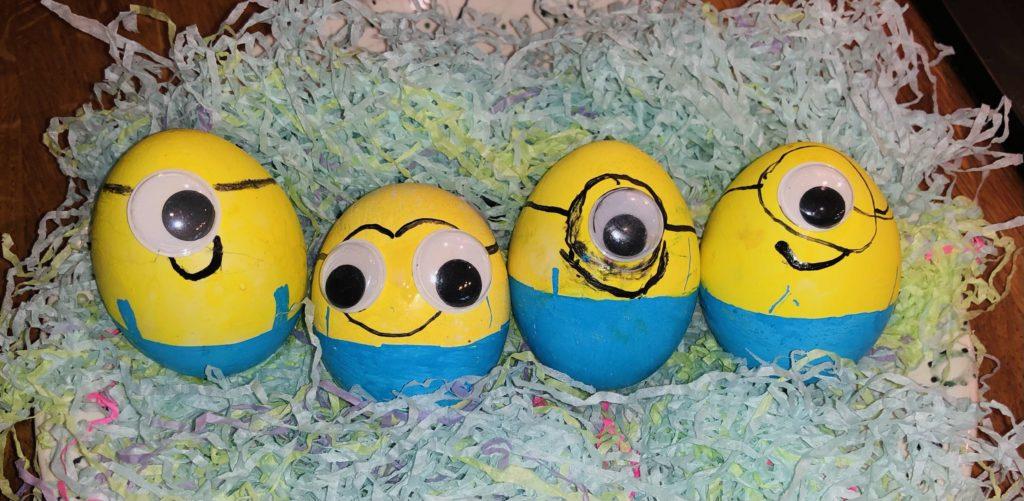 This 'cracking' entry shows four Minion eggs.