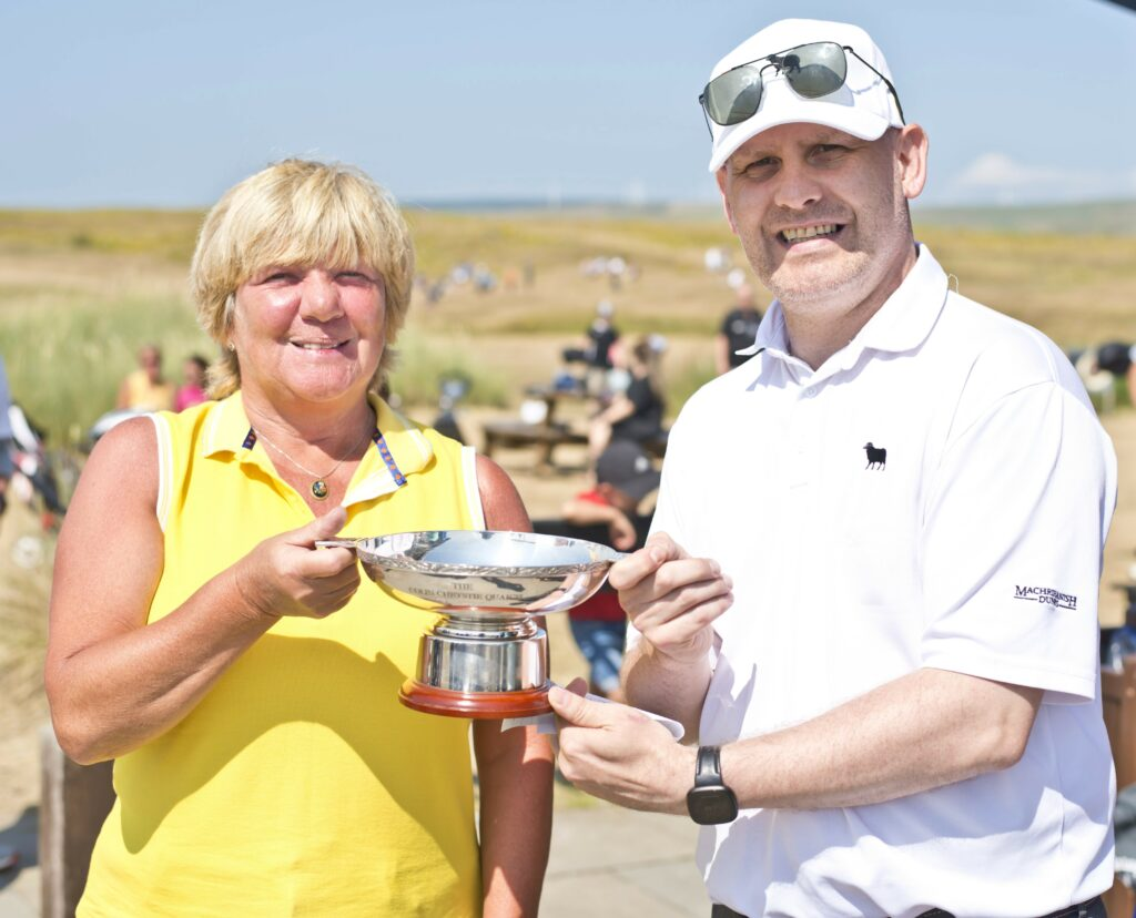 Ladies' Colin Chrystie Quaich winner: Anne Storm.