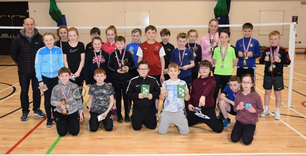 Daniels dominate primary badminton competition