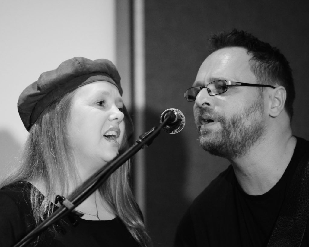 Folk duo's love and life song feast