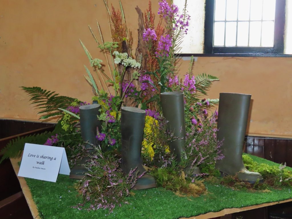 Love in the air at Gigha flower festival