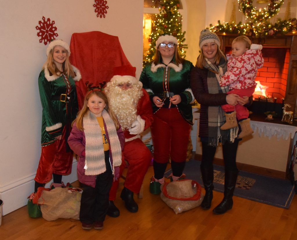 Among those who met the big man himself during his visit to Campbeltown Town Hall were Catriona McLean and her daughter Eve and her niece Hollie, photographed here.