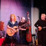 Eddi Reader and her band on stage in Tarbert.