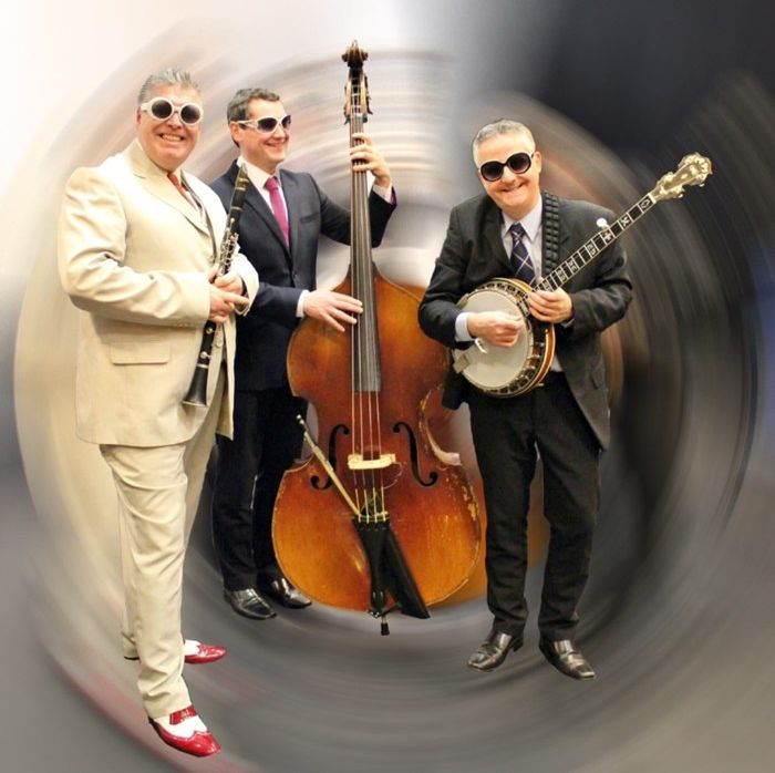 Ugly Bug Ragtime Three members John Burgess, Andy Sharkey and Ross Milligan will swing into Campbeltown.