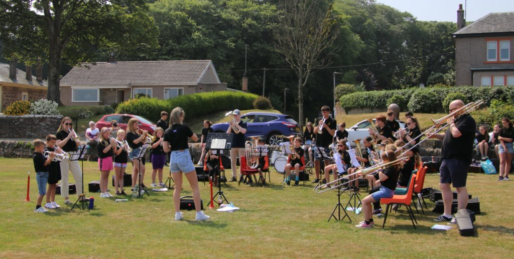 A pop-up concert was held outdoors at Quarry Green last week.