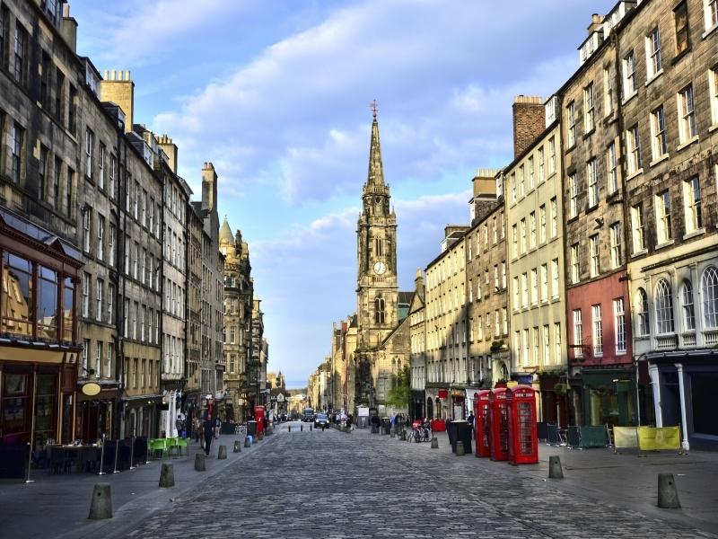 Edinburgh Royal Mile LOW