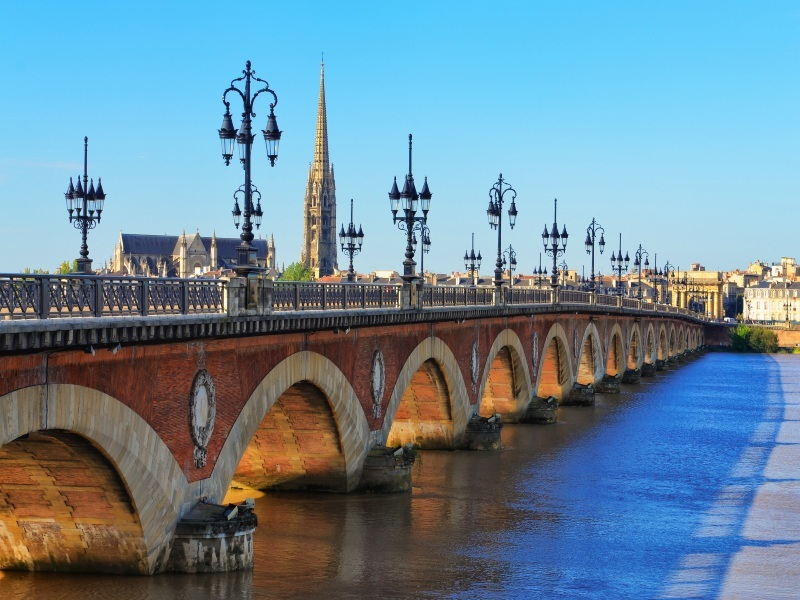 Chateaux, Rivers and Wine River Cruise