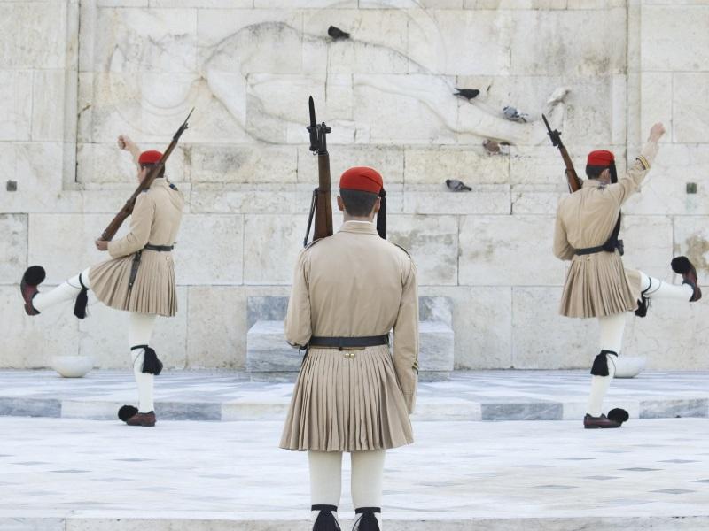 Greek landmarks in Athens - Changing guard