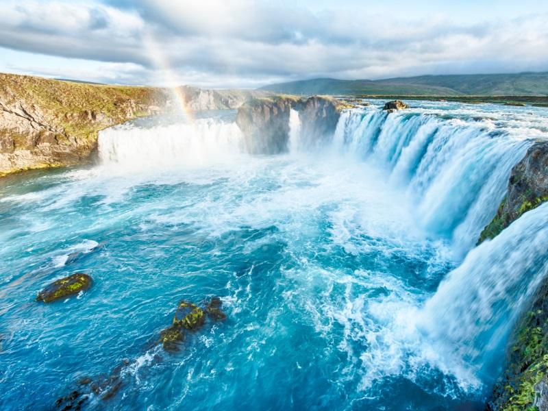 waterfalls around the world - godafoss