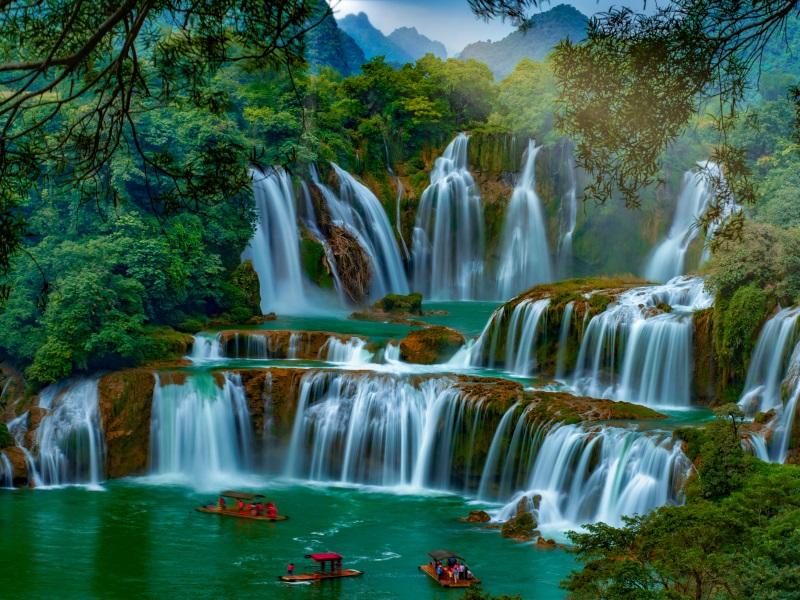 waterfalls around the world - detian waterfall