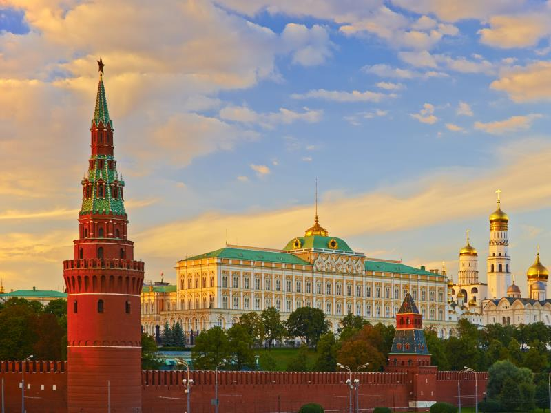 moscow st petersburg holiday