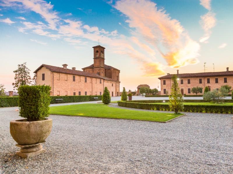 Vercelli cinque terre walking holidays