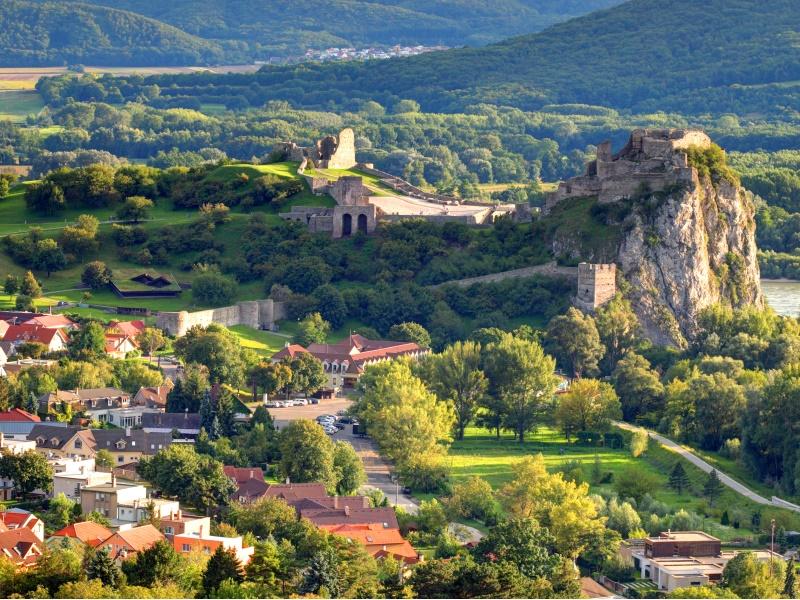 Devin Castle