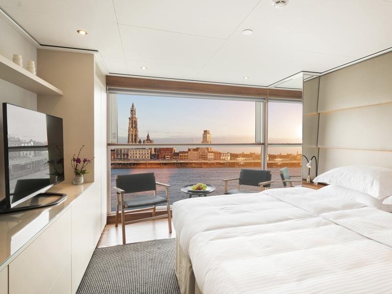 Emerald Suites & Staterooms