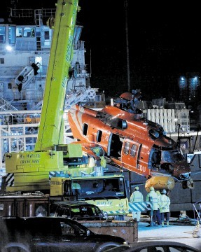 A Super Puma that ditched in 2009 is brought into Aberdeen. Kenny Elrick