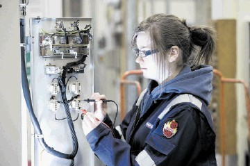 Oil and gas industry apprentice under training