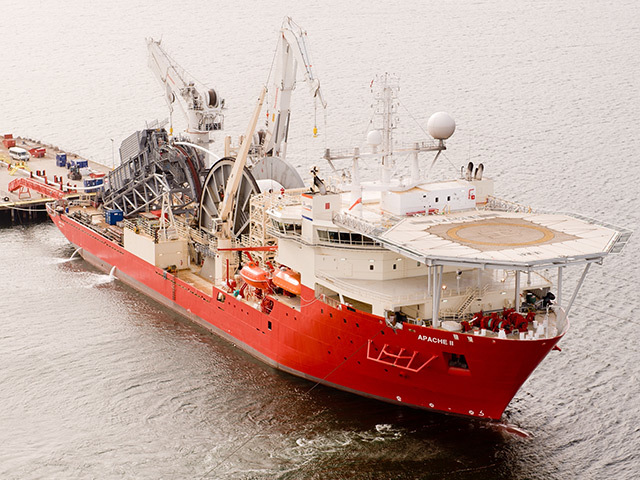 Technip 's pipelay vessel Apache II.