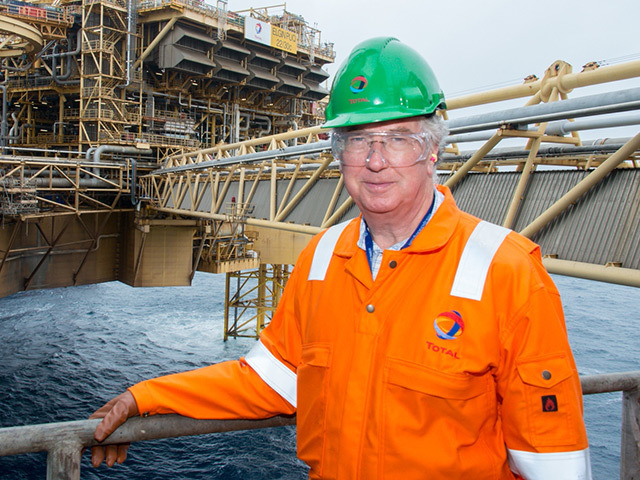 Michael Fallon visits the Total Elgin platform