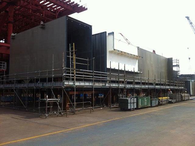 L10 living quarters block erection progress photo